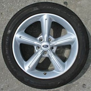 2010 Ford Mustang Wheels & Pirelli Tires   Set of 4   New Take Offs