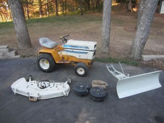IH Cub Cadet 1650 Hydrostatic Riding Lawn Mower Garden Tractor W/ Snow