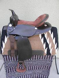 round skirt saddle in Pleasure & Trail