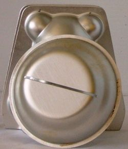 Discontinued Wilton Mini 3D Bear Cake Pan Mold etc 1997 w 4 Clips 518