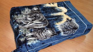 Wolfs Navy Blue Queen Korean Mink Blanket Solaron BM119