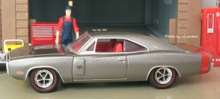 1970 Dodge Charger R T Opening Hood w 440 Magnum V8 True 1 64 Diecast