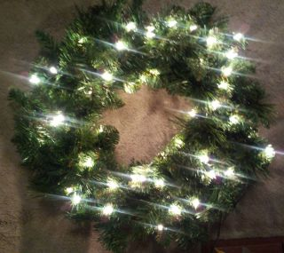 New Large Pre Lit Artificial Green Christmas Wreath 19 Inch Electric
