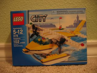 Lego City 3178 Sea Plane Island Hopper w Pilot Minifig Catch A Ride