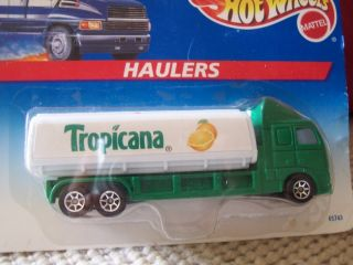 Vintage 1996 Hot Wheels Haulers Tropicana Tractor Trailer Semi Truck