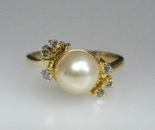 Fine Estate 14k Yellow Gold Diamond Cultured Pearl Ring