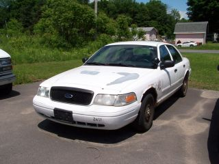 PARTS ONLY 2004 FORD CROWN VICTORIA POLICE INTERCEPTOR USED