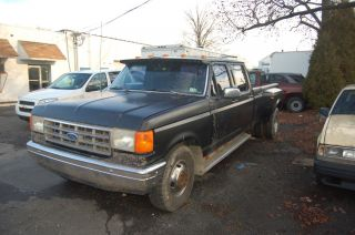 1990 Ford F350 Crew Cab Diesel 5 Speed 8 Foot Dually Bed