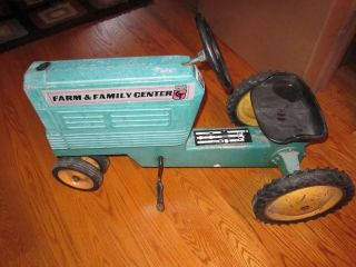 Scale Model Toys Dyersville Iowa Farm Central Tractor Pedal Car