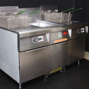 2006 FRYMASTER FILTER MAGIC LARGE 80LB CHICKEN FRYERS GAS DOUBLE FRYER