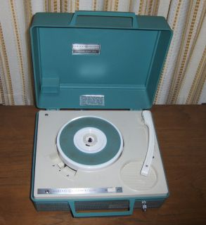 GE PORTABLE RECORD PLAYER GENERAL ELECTRIC V422P Turquoise Blue