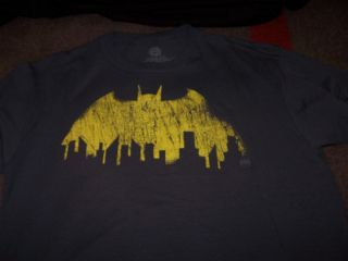 New Batman Logo Gotham City Skyline T Shirt Size XL