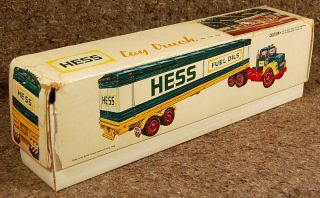 1976 Working Hess Toy Truck in Original Box with All 3 Marked Barrels