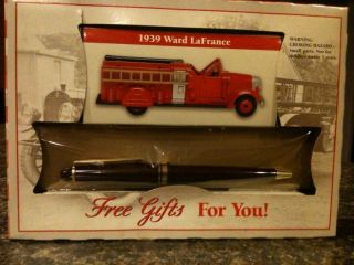 Readers Digest 1939 Ward LaFrance Fire Engine Diecast & Plastic Truck