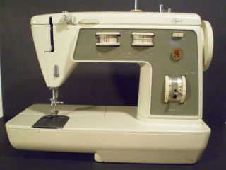 Singer Sewing Machine Model 774  Power Cord Foot Pedal NOT Included