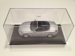 Minichamps 2001 Lexus SC 430 Z40 Top Down (Silver) Diecast Model Car