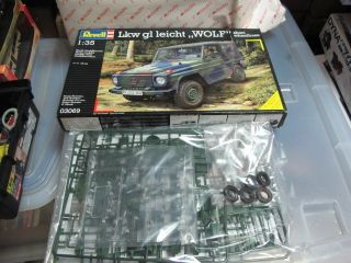 Mercedes Benz G Class LKW German Army Truck Wolf 1 35 Model Kit Revell