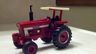 64 CUSTOM INTERNATIONAL IH 1066 TRACTOR ERTL FARM COUNTRY DCP