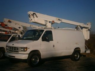 2002 Ford E350 Bucket Van Truck   Altec, 35.6 wh, a/c