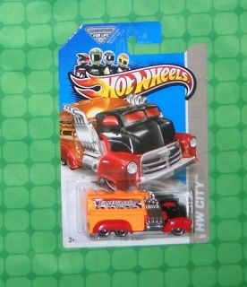 2013 Hot Wheels City Series 47 HW City Works Fast Gassin