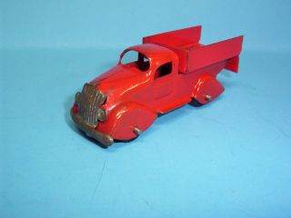 VINTAGE MARX PRESSED STEEL 4 RED TRUCK FOR TRAIN FLAT CAR ALL ORIGINAL