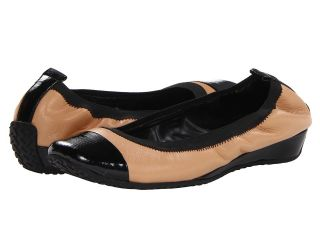 Kenneth Cole Reaction Blink Wink Womens Flat Shoes (Tan)