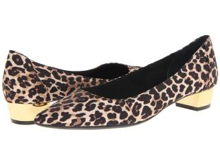 Isaac Mizrahi New York Dania 2 Womens 1 2 inch heel Shoes (Animal Print)